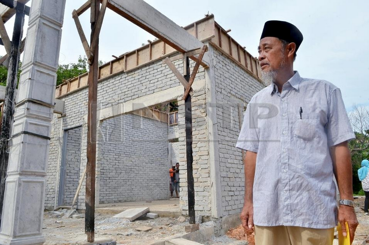 Zakat News: Zakat Help an Imam Get a New Home to Replace the House that Burnt LastAugust.